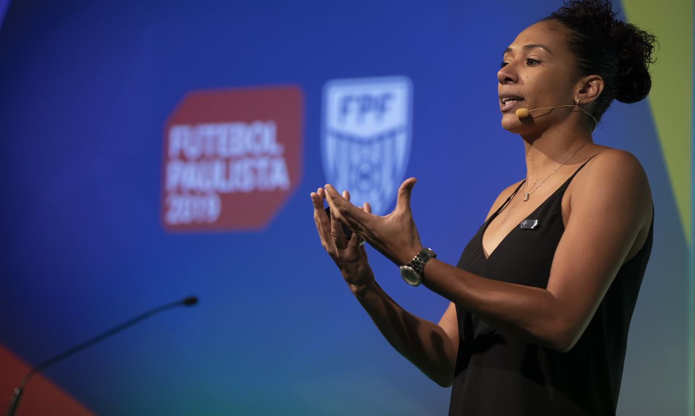Futebol Feminino. Coordenadora de Futebol Feminino da FPF Aline Pellegrino