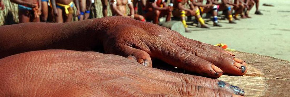 Indígenas do Alto Xingu (MT). Festa do Kuarup, na aldeia Kamayurá