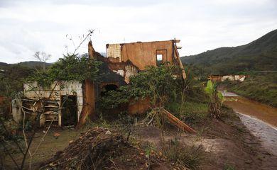Moradores de Barra Longa, uma das regiões atingidas pela tragédia de Mariana, também sofrem com depressão - José Cruz-Agência Brasil