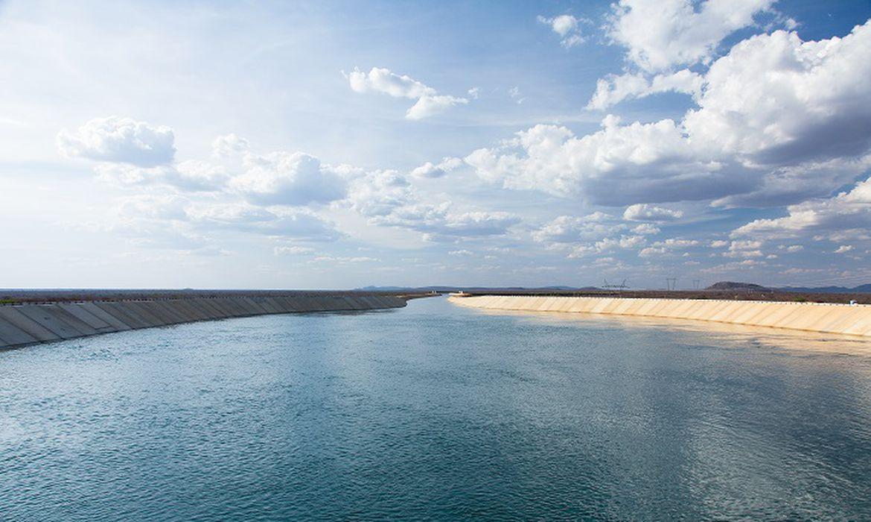 O Projeto de Integração do Rio São Francisco levará água para 12 milhões de pessoas nos estados de Pernambuco, Paraíba, Ceará e Rio Grande do Norte. Serão contemplados 390 municípios