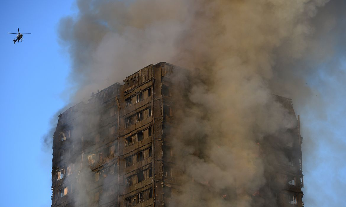 Grenfell Tower em chamas