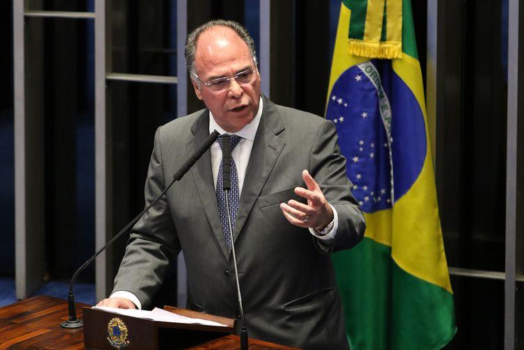 O líder do governo no Senado, Fernando Bezerra Coelho, durante sessão que aprovou o Projeto de Lei de Conversão 11/2019, oriundo da MP 871/2019, que combate irregularidades em benefícios previdenciários.