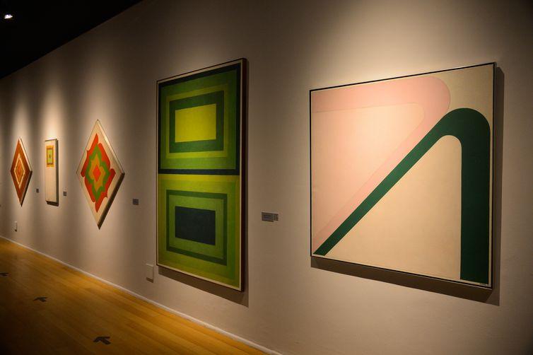 Centro Cultural Banco do Brasil do Rio de Janeiro reabre com exposição do artista Ivan Serpa.