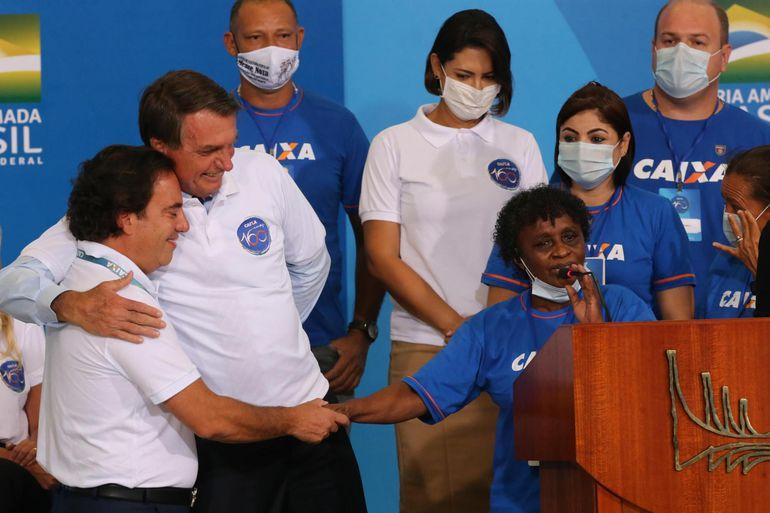 O presidente da Caixa Pedro Guimarães, o Presidente Jair Bolsonaro e a primeira-dama Michelle Bolsonaro durante a Cerimônia alusiva aos 160 anos da CAIXA.