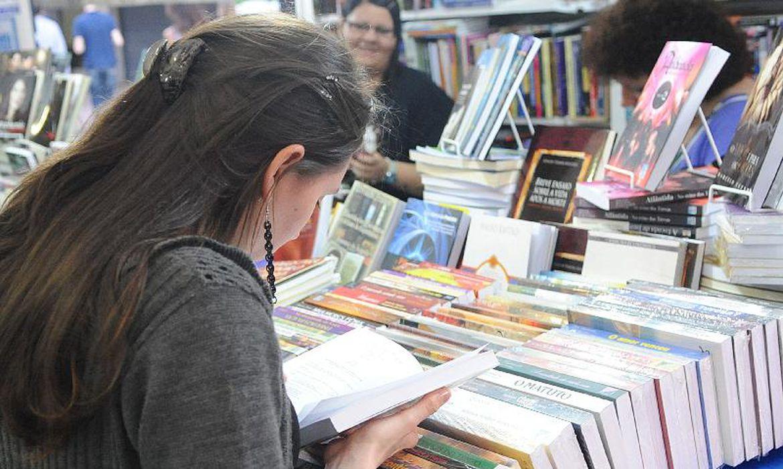 Leitura é hábito de 56% da população, indica pesquisa | Agência Brasil