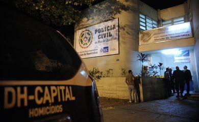 O delegado titular da Divisão de Homicídios, Rivaldo Barbosa, fala sobre o caso dos menores que foram levados em viatura por policiais militares para o bairro Sumaré (Fernando Frazão/Agência Brasil)