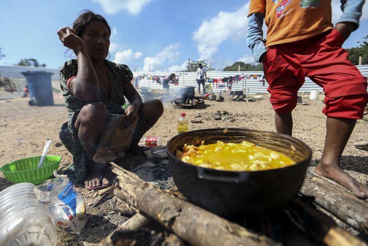 mca abr 23082018 1786 - Ambiente é recriado para imigrantes da etnia Warao da Venezuela