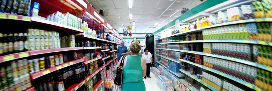 Os supermercados venderam em setembro 4,91% mais, em comparação ao mesmo mês do ano passado, segundo o Índice Nacional de Vendas divulgado pela Associação Brasileira de Supermercados (Abras)