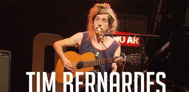 Tim Bernardes no Reverbera