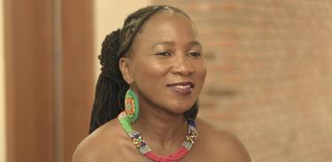 Cantora Mingas, de Moçambique