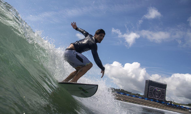 Tokyo 2020 Olympics - Surfing Training - Gabriel Medina - surfe, _Tóquio- Olimpíada - treino