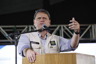 O Ministro da Infraestrutura, Tarcísio Gomes de Freitas, participou, nesta terça (28), da inauguração da Estação Cidadania em Teixeira de Freitas (BA)