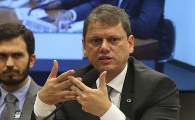 O ministro da Infraestrutura,Tarcísio Gomes de Freitas fala sobre as ações de sua pasta na Comissão de Minas e Energia da Câmara