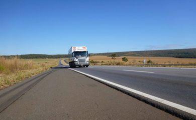 rodovia caminhão estradas