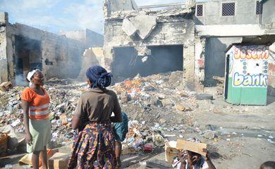 Porto Principe (Haiti) - Ruínas no bairro de Bel-Air