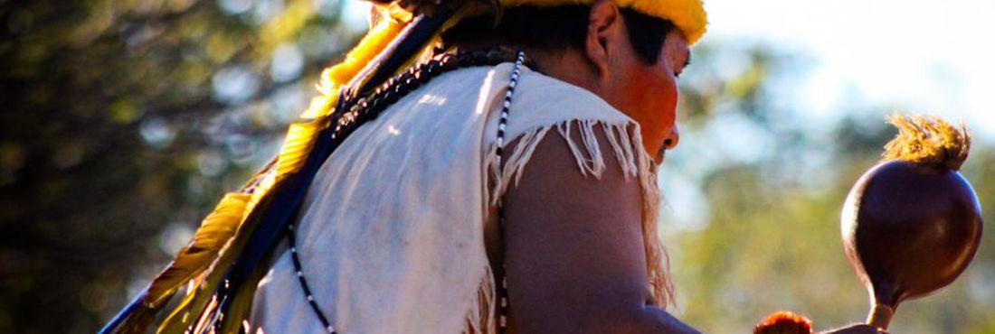 Cacique Guarani-Kaiowá na IV Aldeia Multiétnica