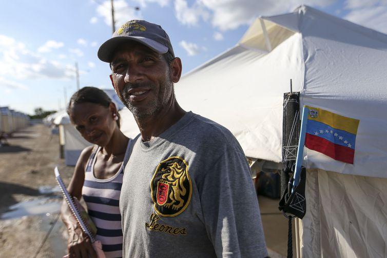O casal Blanca Perosa e Victor Hernadéz veio de Pacaraima para Boa Vista depois do conflito que envolveu um grupo de brasileiros e imigrantes venezuelanos no último sábado (18).
