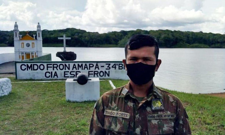 Tiago Forte, piloto de embarcação do Exército no Oiapoque