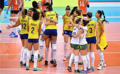 As jogadoras brasileiras só encontraram dificuldade na vitória de três set a zero contra a Holanda no último set da partida