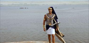 Ramsés decide terminar noivado com Téti