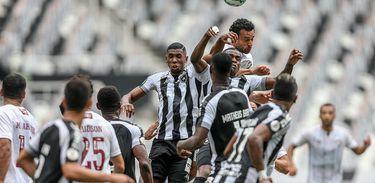 Fluminense enfrenta o Botafogo no Estádio Nilton Santos pela 13ª rodada do Campeonato Brasileiro 2020