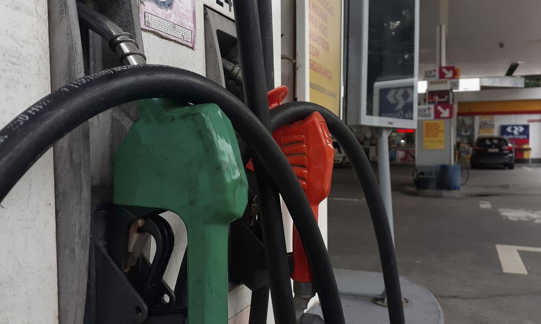 Postos de gasolina no Rio de Janeiro exibem o preço do combustível