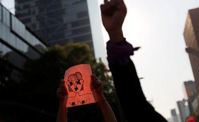 Protesto contra o feminicídio e violência contra mulheres.