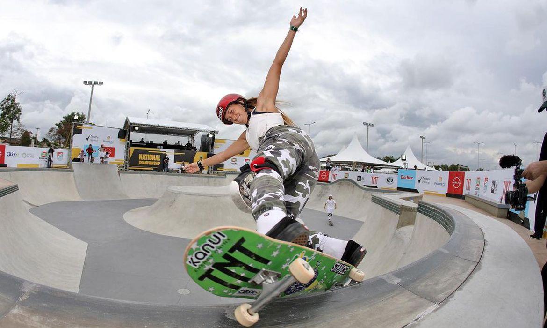 Dora Varella vence primeira etapa do Circuito Brasileiro de skate - park - Criciúma