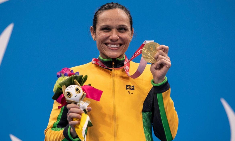 Carol Santiago é ouro nos 100 metros livre da classe S12 (deficiência visual) - Paralimpíada