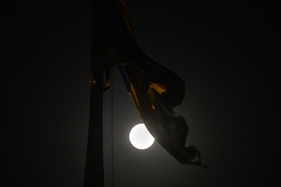 Brasília - O Clube de Astronomia promove um encontro de telescópios na Praça dos Três Poderes, para observar a Superlua e eclipse total lunar (Marcello Casal Jr/Agência Brasil)
