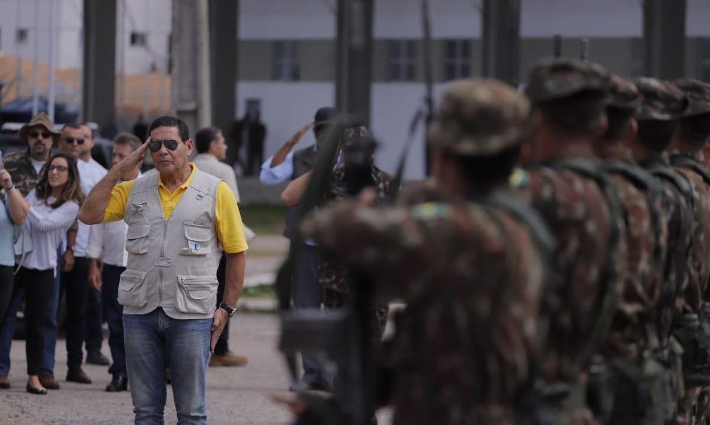 O vice-presidente da República, Hamilton Mourão e o ministro da Justiça e Segurança Pública, Sergio Moro, visitam o 3º Pelotão Especial de Fronteira e as instalações da Operação Acolhida