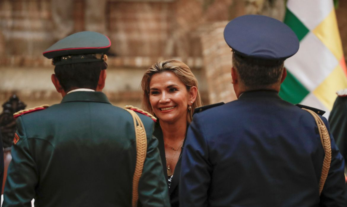 Bolivian Interim President Jeanine Anez attends a ceremony with military members at the Presidential Palace, in La Paz, Bolivia November 13, 2019. REUTERS/Carlos Garcia Rawlins