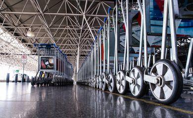 Aeroporto Internacional Juscelino Kubitschek, terceiro maior aeroporto do Brasil com pouca movimentação de passageiros