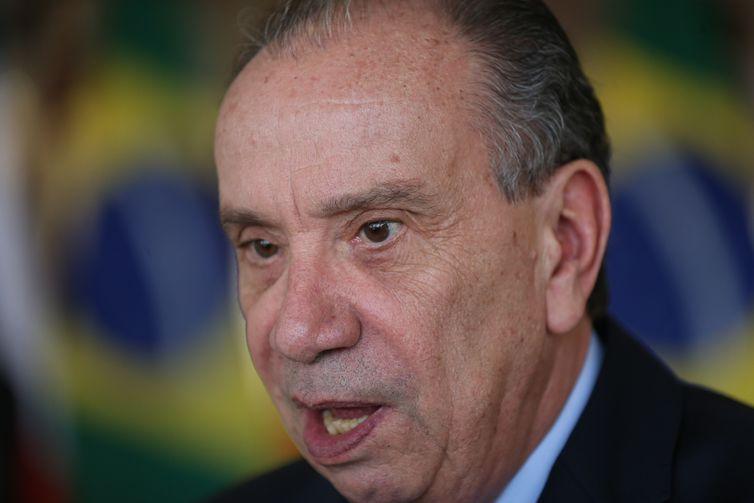 O ministro das Relações Exteriores Aloysio Nunes Ferreira durante assinatura de atos e declaração à imprensa, após a  I Reunião do Diálogo Político-Militar Brasil-Chile.