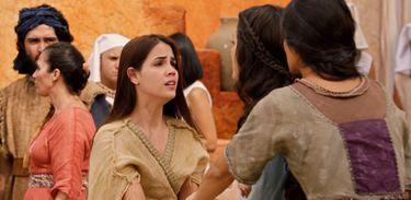 Deborah conta para Abigail e Miriã sobre a ordem do faraó de matar dez escravos