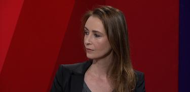 Sabrina Greve critica LGBTfobia no Estação Plural