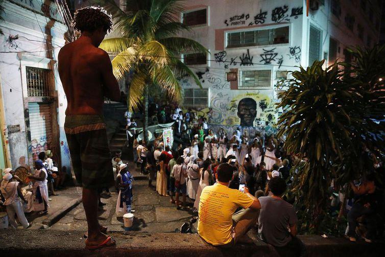Movimentos antirracistas encerram marcham na Pedra do Sal