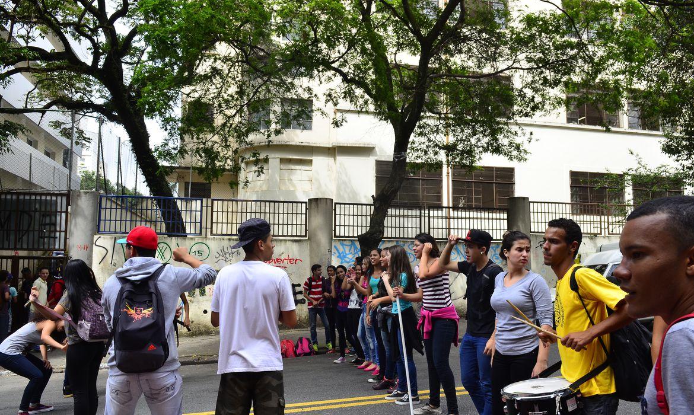Estudantes ocupam a Escola Estadual Godofredo Furtado, em Pinheiros, São Paulo