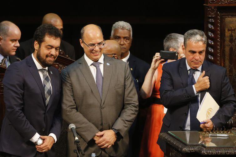 Governador Wilson Witzel e o deputado André Ceciliano, durante a cerimônia de posse dos deputados estaduais eleitos para a Assembleia Legislativa do Rio de Janeiro.
