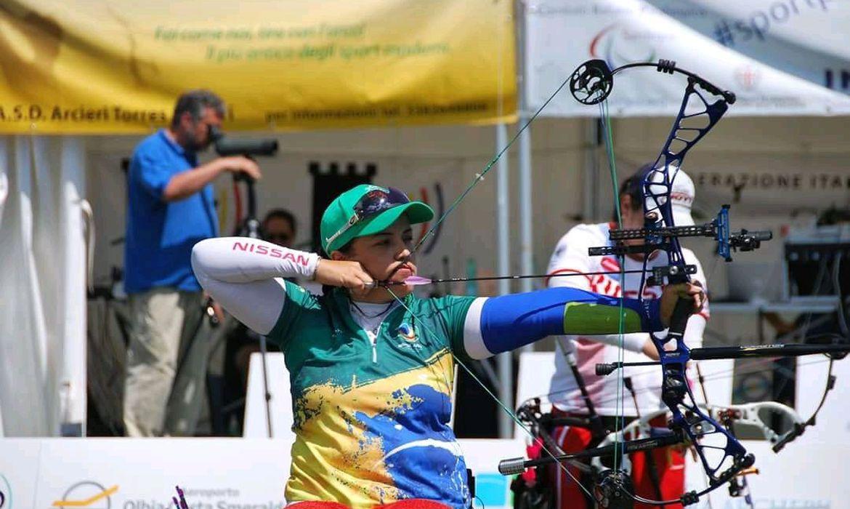 Jane Karla, atleta do Tiro com Arco, tem três competições antes dos Jogos de Tóquio