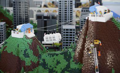 Rio de Janeiro - Parceria entre a prefeitura, a Dinamarca e a fábrica de brinquedos Lego permitiu a montagem de maquete da cidade do Rio  (Tânia Rêgo/Agência Brasil)