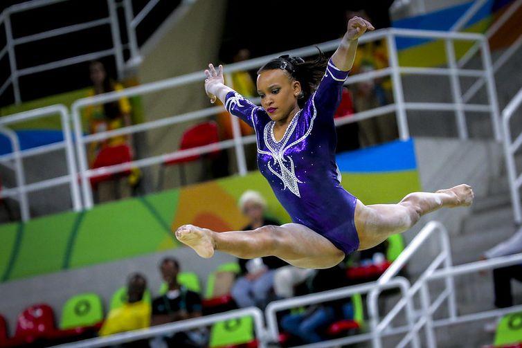 Rebeca Andrade se classifica nas barras assiméticas, da etapa de Baku (Azerbaijão), da Copa do Mundo de Ginástica Artística