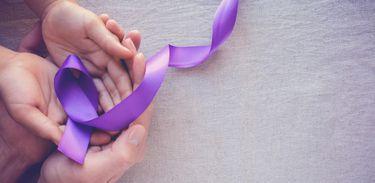 Símbolo do combate ao câncer
