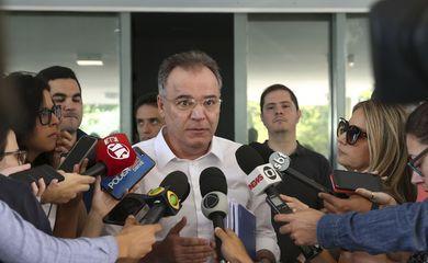 Entrevista do Deputado Samuel Moreira, relator da Reforma da Previdencia Social, logo após se reunir com técnicos do governo e assessores do Ministério da Economia, em Brasília.