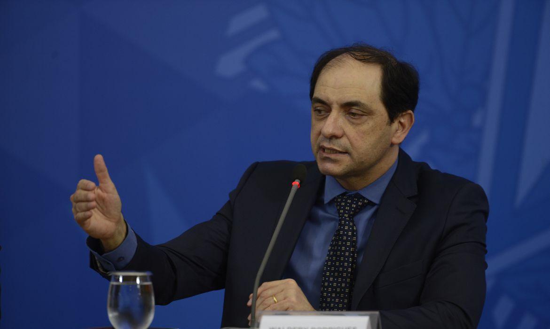 O secretário especial de Fazenda do ministério da Economia, Waldery Rodrigues, fala à imprensa no Palácio do Planalto