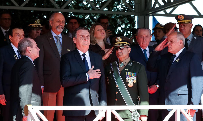 Presidente Jair Bolsonaro participa de Solenidade Comemorativa ao Dia do Exército Brasileiro.