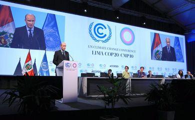 Presidente da COP-19, o polonês Marcin Korolec inaugura a 20ª Conferência das Nações Unidas de Mudanças Climáticas em Lima, no Peru