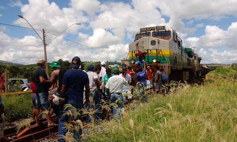 Pescadores,Samarco,Protesto,Trem,Ferrovia