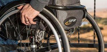 Cadeira de rodas, deficiente