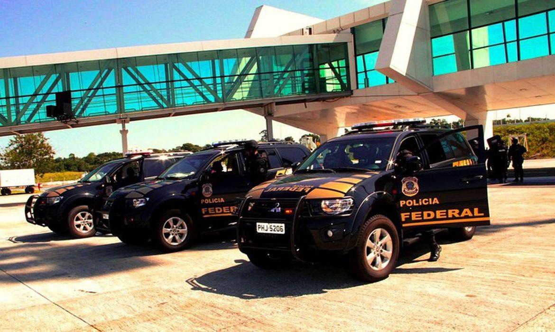 Campinas/SP – A Polícia Federal deflagrou nesta manhã (6/10) a Operação Overload, para reprimir uma complexa organização criminosa, com ramificações em diversos estados do Brasil e no exterior, voltada ao tráfico internacional de drogas e lavage